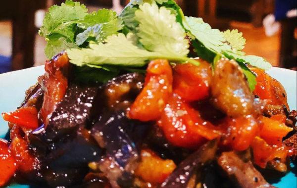 Тёплый салат из баклажан